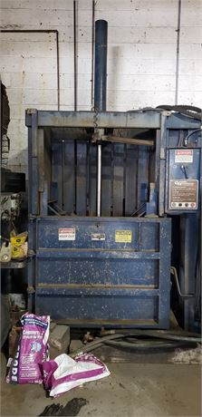 General Hydraulics Vertical Baler